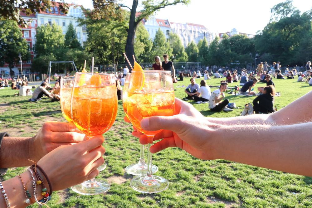 Italian food news of the week in Berlin: Ice-Cream Week, new cooking boxes and Aperol Spritz to go!