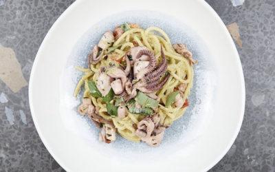 Spaghetti freschi alla chitarra con calamari marinati e nuovi vini per colorare la tua estate Berlinese. Questo e molto altro nelle nostre True Italian Food News!
